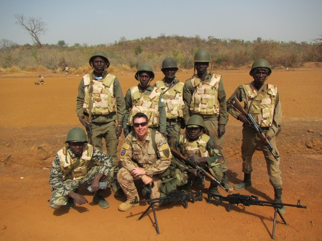 Malian infantry squad with a Czech instructor