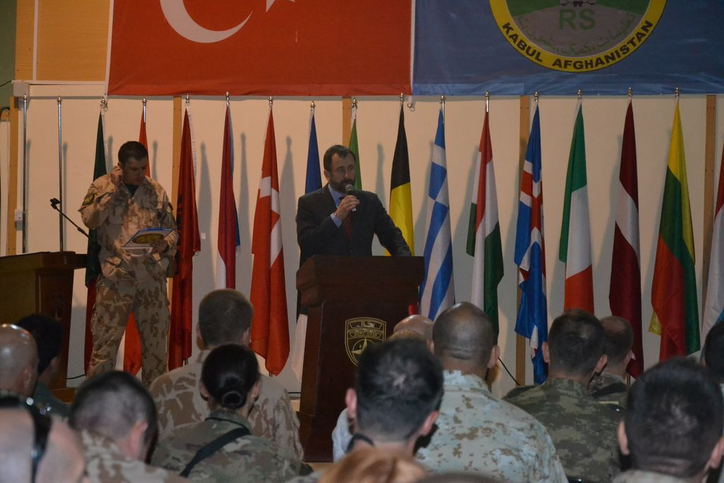 Czech Ambassador to Afghanistan addressing soldiers at Kabul