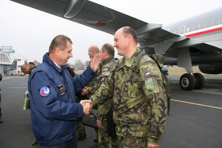 BG Kankia welcomes soldiers back in the Czech Republic