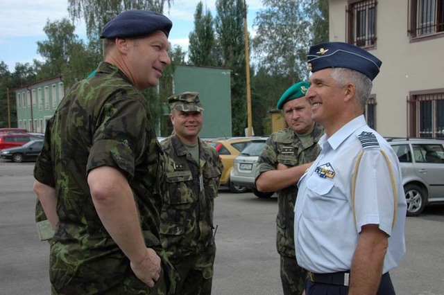 MG Picek with a Greek Defence Attache