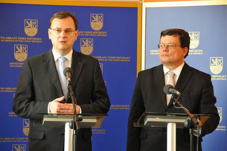Prime Minister Necas and Defence Minister Vondra speaking to the media