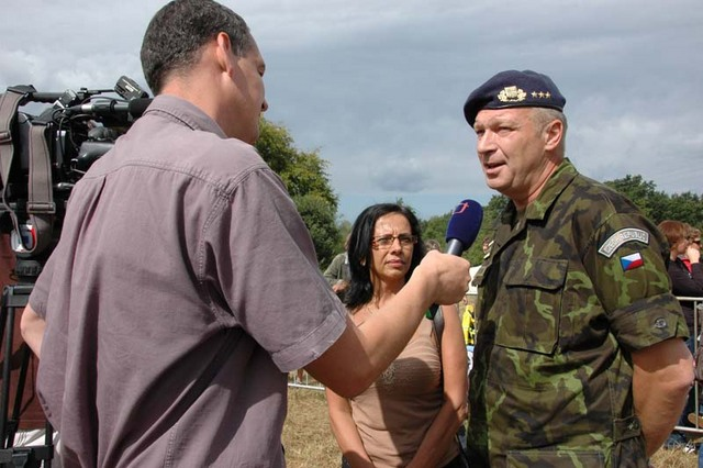 LTG Picek speaks to a reporter of the Czech Television