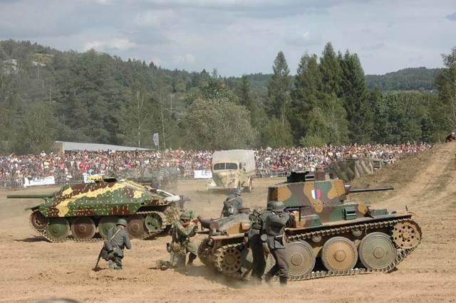 Combat demonstration devoted to the Slovak National Uprising 2