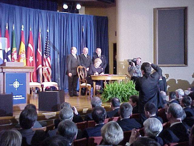 Kavan, Martonyi, Geremek and sitting Albright at the Harry S. Truman Library in Independence, 12th March 1999
