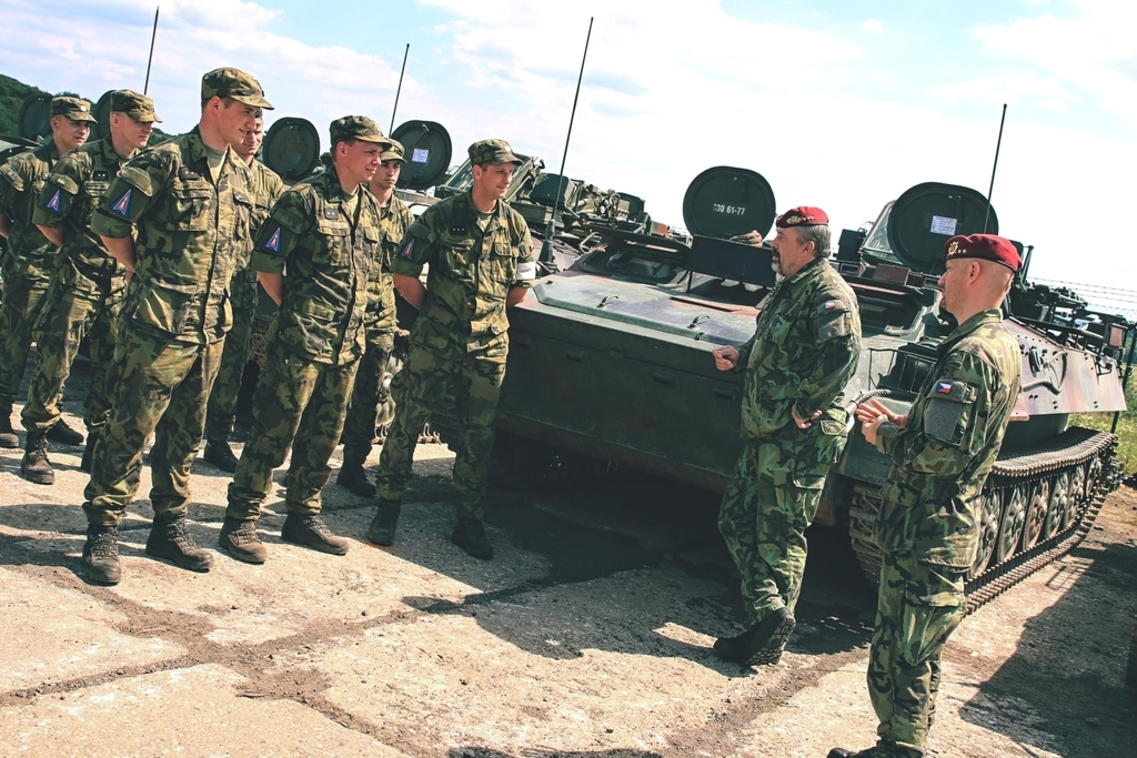 Strakonice air defence troops take control of Doupov air space during missile launch practice