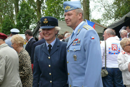 RAF member with General Picek at the Cholmondeley Park Monument