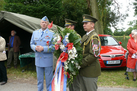 General Picek to lay the wreath with Minister Kohout