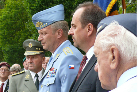 From the left: Major General Jan Salaganic, Chief of Operations at the General Staff of Armed Forces of the Slovak Republic, General Vlastimil Picek and Minister Jan Kohout at the ceremony