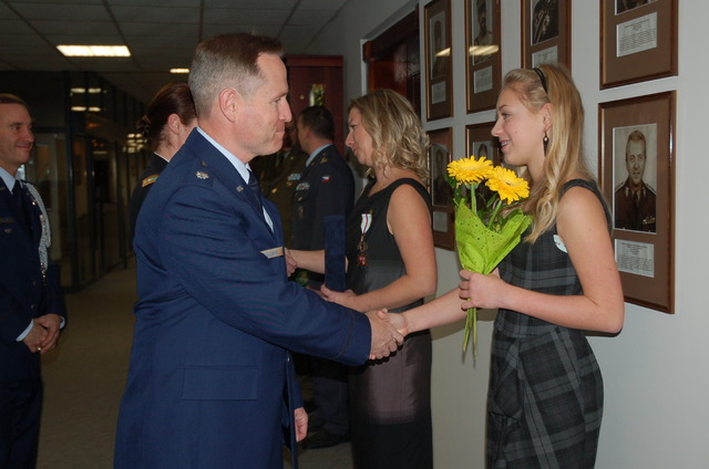 Lieutenant Colonel John Williams from ODC congratulates also to Barbora, daughter of Jana Hierschova