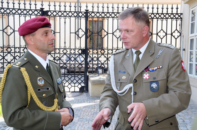 Lieutenant Colonel Martin Spicak, Commander of the 42nd Mechanised Battalion in Tabor, was welcomed by Colonel Jacek Stec, Polish Defence Attaché, at the Polish Embassy in Prague