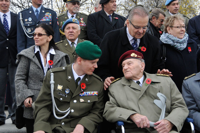 New age war veteran, Corporal Lukas Hirka and the last Czech living paratrooper from Great Britain, General Jaroslav Klemes, at the ceremony at Vitkov