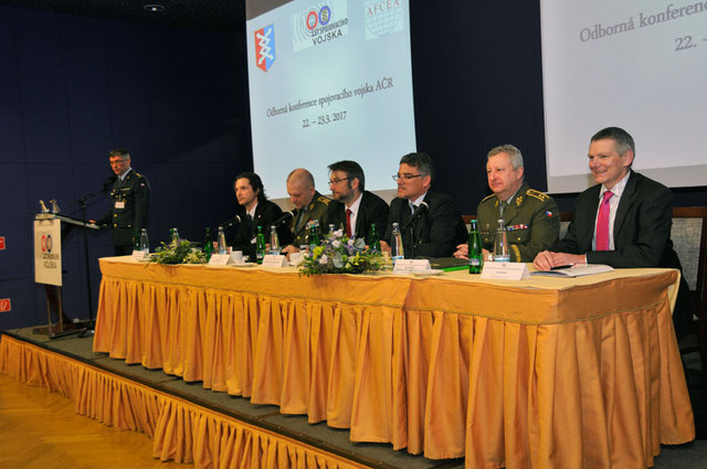 Colonel Ridzak opening the Conference