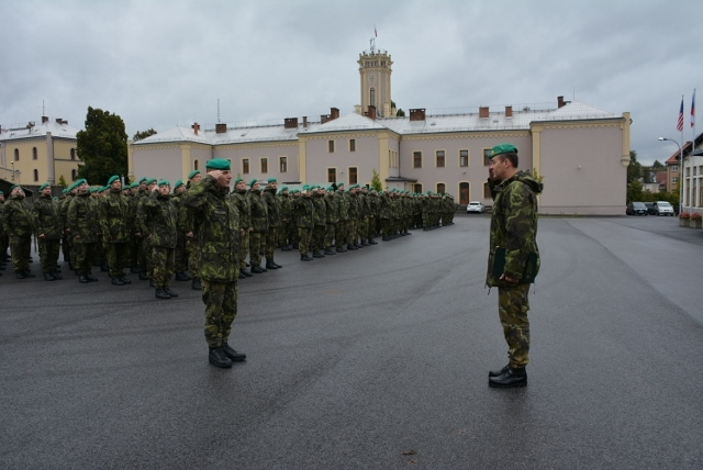 Festive line-up of 31st CBRN Regiment in Liberec for the laboratory delivery