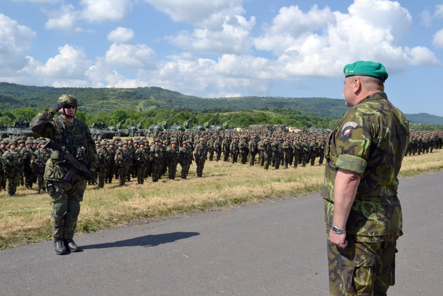 Commander of the 4th Brigade Task Force and present Commander of the 4th Rapid Deployment Brigade, Colonel Miroslav Hlavac, reports to Director of the exercise and present Commander of Czech Land Forces, Major General Jan Gurnik
