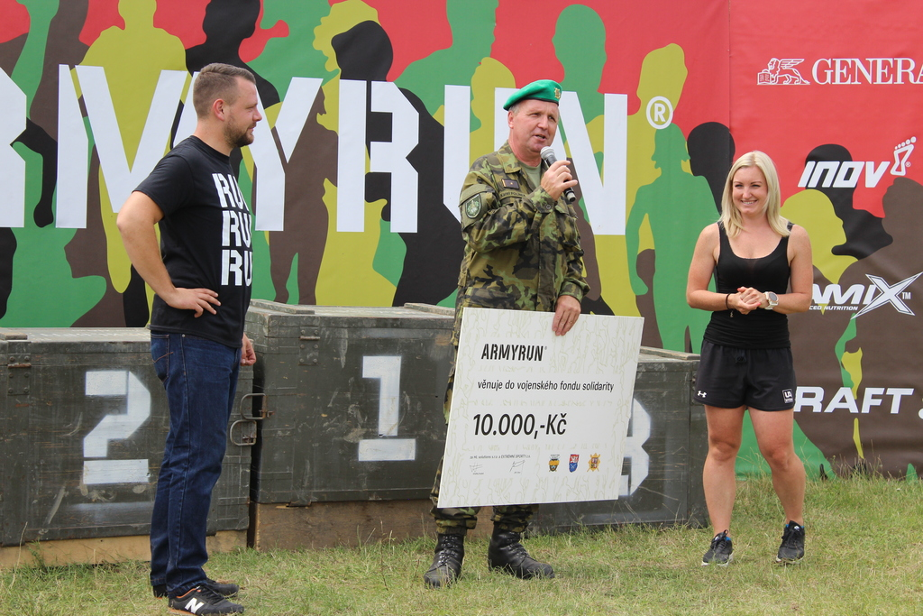 A cheque for the Military Solidarity Fund