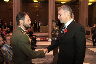 Minister of Defence decorates heroes from WWII and recent conflicts