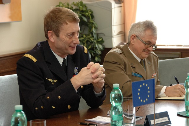 General Patrick de Rousiers during talks at the Czech General Staff