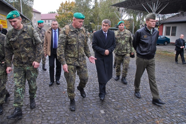 Colonel Kopecky, Minister Babis and General Becvar entering Praslavice base