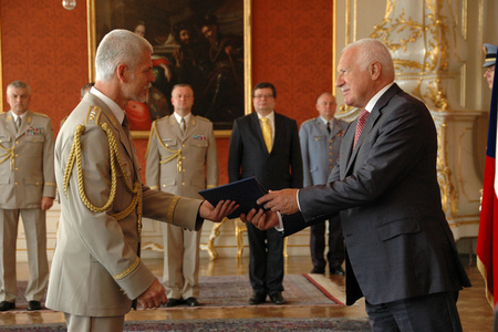 New Chief of the General Staff Lieutenant General Petr Pavel and Czech President Vaclav Klaus
