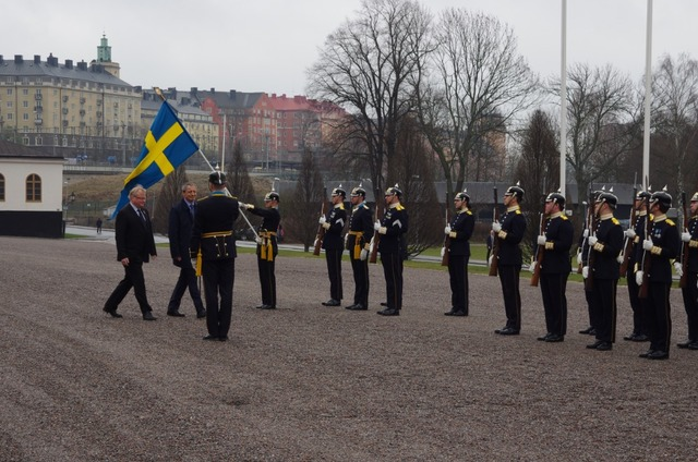 Minister Stropnicky honouring the Guard