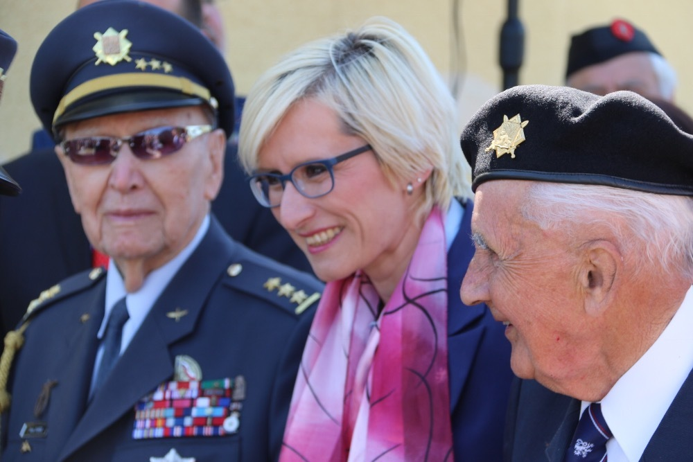 Minister Slechtova with veterans at unveiling RAF Memorial to Czech airmen who lived in Pilsen