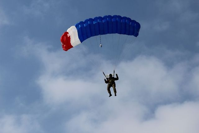 Rappel instructors must also take part in parachuting training