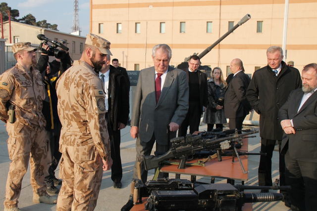 Demonstration of weapons and equipment of 1st ACR Guard Company to President Milos Zeman at Bagram, Parwan Province