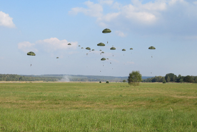 First wave of paratroopers landing at Ralsko - Hradcany airfield