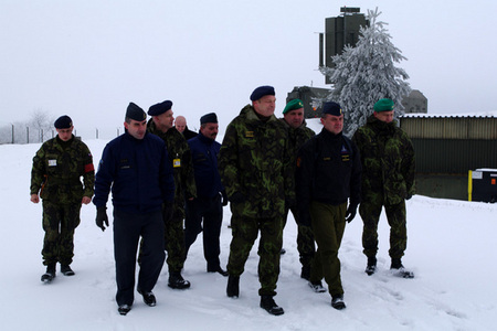 General Picek visits a combat position of the 6th Radiotechnical Company at Plana