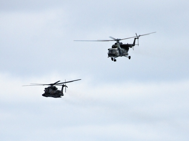 Mi-171S in formation with a CH-53 of German Air Force