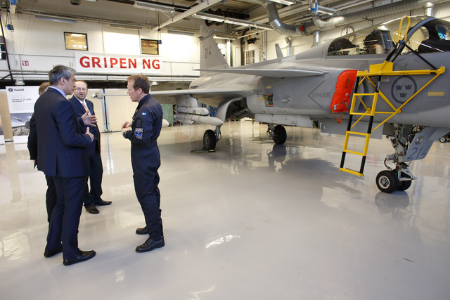 Minister Stropnicky discussing the new upgrades of the Gripen aircraft