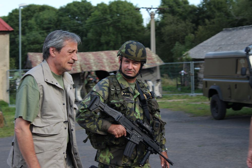 Minister of Defence Martin Stropnicky and Colonel Roman Nahoncik, Commander of 4th RDB