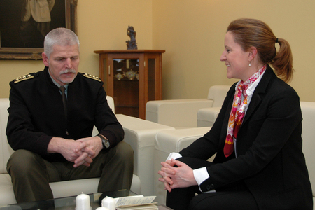 Chief of the General Staff Lieutenant General Petr Pavel and Minister of Defence Karolina Peake (1)