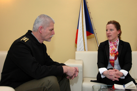 Chief of the General Staff Lieutenant General Petr Pavel and Minister of Defence Karolina Peake (2)