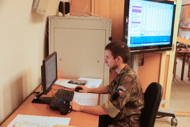 First Lieutenant Jiri Komarek evaluating the results of the training