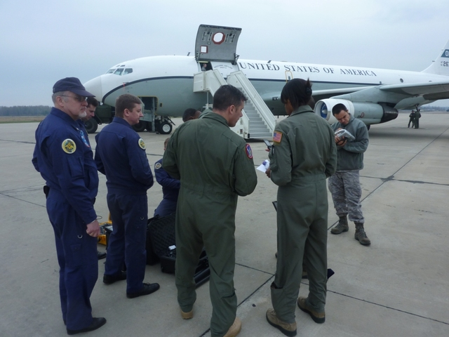 Briefing before the flight in which Czechs and Americans participated along with Russian experts