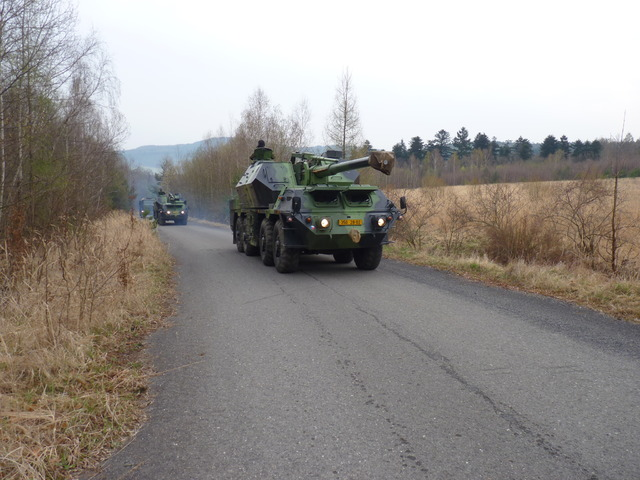 Self-propelled gun howitzers 152 mm, type 77, DANA, on their way to a firing range