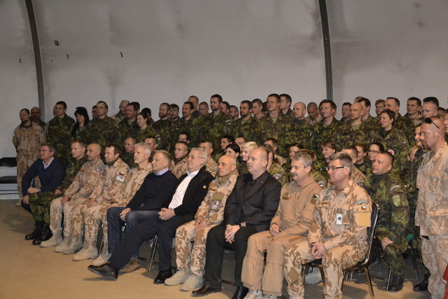 President Milos Zeman at a family photo with soldiers at the KAIA Base