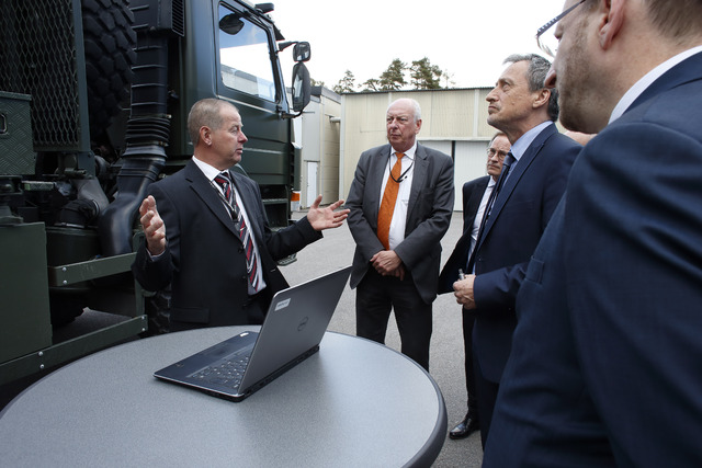 Demonstrating the MADR radar at its SAAB factory in Linköping