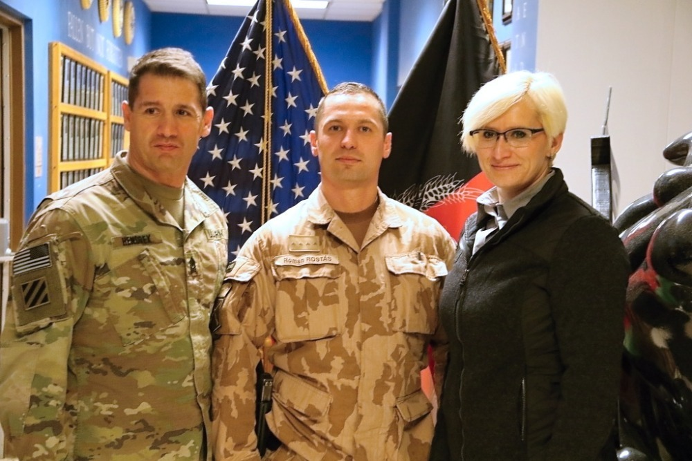 Commanders of the Czech and American units with the Czech Minister of Defence at Bagram Air Field Base