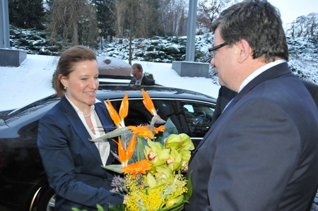 New Minister Karolina Peake and outgoing Minister Alexandr Vondra in front of the ministry building