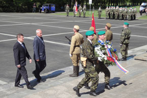 Homage to late Red Army soldiers in Ostrava (2)